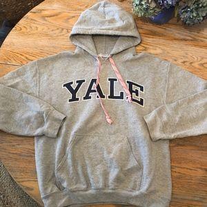 Gildan heavy blend YALE hoodie